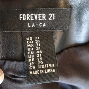 Forever 21 Skirts - Forever21 Black heart skirt 🖤🖤🖤